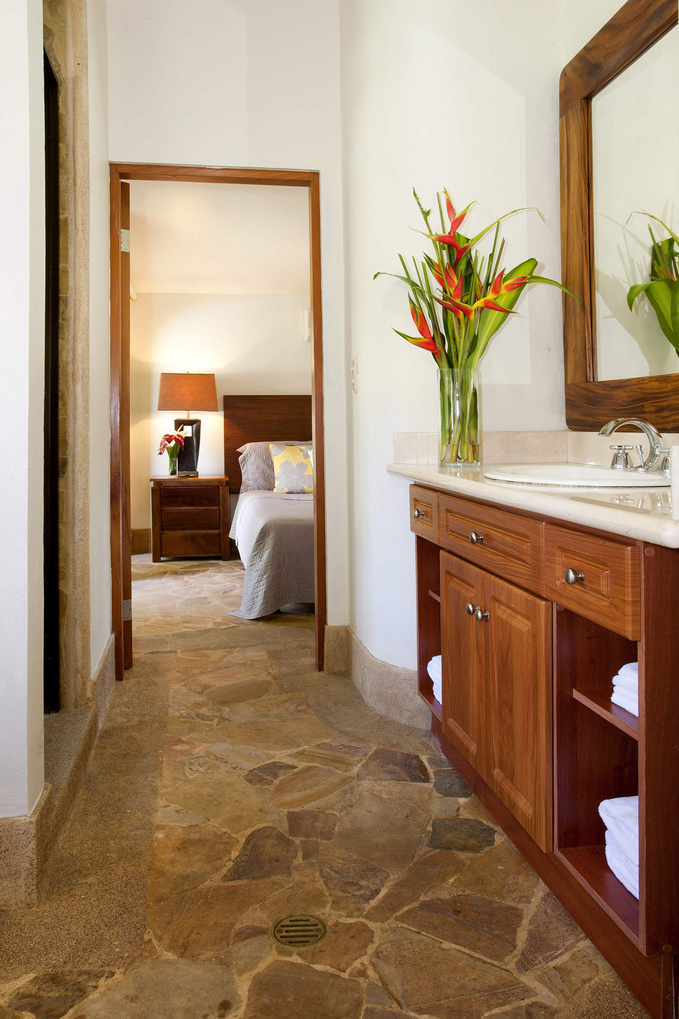 Garden House Tulemar Resort Amp Vacation Rentals